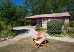 Camping avec Quartiers VIP / Premium Lot - Camping Domaine De La Faurie-2