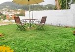 Hôtel Ooty - Gorgeous abode for a group of friends, 1.5 km from Ooty Lake by Guesthouser-2