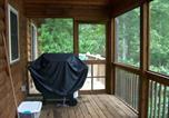 Location vacances Weaverville - The Bears Den, Cabin at Lake Lure-2