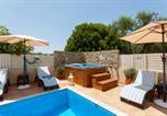 Location vacances Kipseli - Fiorentinos Villa-2