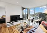 Location vacances Melbourne - Melbourne Modern Two Bedroom Apartment (3104col)-2