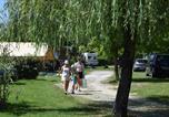 Camping avec Site nature Brossac - Camping Etangs de Plessac-3