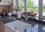 Location vacances Brockenhurst - Gardeners Retreat-1