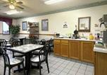 Hôtel Kearney - Super 8 Smithville Lake-3