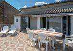 Location vacances Vergèze - Three-Bedroom Apartment in Calvisson-4