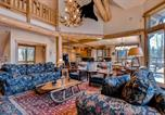 Location vacances Fayetteville - Mountain Bear Lodge Home-3