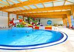 Camping avec Quartiers VIP / Premium Saint-Jean-le-Thomas - Camping Au Bocage Du Lac-1