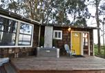 Location vacances Eureka - Mid Centry Waterfront - Two Bedroom Holiday Home-1