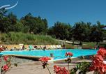 Camping avec Piscine Villars - Village vacances La Colline des Ocres-1