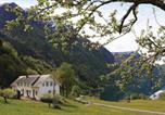 Location vacances Sogndal - Holiday Home Skjolden with a Fireplace 01-1