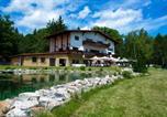 Location vacances Mníšek pod Brdy - Restaurace & Penzion Rochota-1