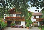 Location vacances Plauen - Holiday home Ebersbacher Str. I-1