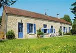 Location vacances L'Isle-sur-Serein - Maison De Vacances - Chalet Gerard-1