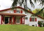 Location vacances Bidarray - Five-Bedroom Holiday Home in Cambo-les-Bains-1