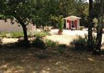 Location vacances La Motte-d'Aigues - Chalet Castellas dans un parc forestier-1