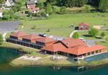 Location vacances Saint-Martin-Valmeroux - Le Lac des Graves - Woonwagen-4
