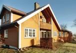 Location vacances Holmestrand - Four-Bedroom Holiday Home in Dilling-1