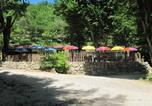 Camping en Bord de lac Bayas - Camping Le Roc de Lavandre-4