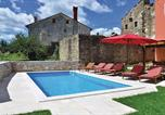 Location vacances Oprtalj - Holiday home Oprtalj 7-4