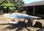 Location vacances Port Edward - La La Nathi Self Catering Guesthouse-1