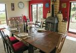 Location vacances Le Chalard - Holiday Home Ladignac Le Long Rue De Bleuets-4