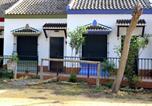 Location vacances Huévar del Aljarafe - Casa Rural Los Pinos-1