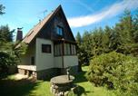 Location vacances Mirotice - Holiday Home in Kucer-Hajek with Three-Bedrooms 1-1