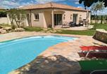 Location vacances Servian - Studio Holiday Home in Espondeilhan-1