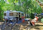 Camping avec Piscine couverte / chauffée Saint-Martial-de-Nabirat - Camping Lou Castel-4