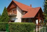 Location vacances Balatonkeresztúr - Familia Apartment 101-1