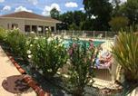Location vacances Castelnau-d'Auzan - T3 en duplex avec jardin et piscine-3