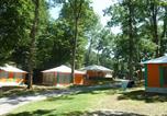 Camping  Acceptant les animaux Salles-Curan - Campéole Notre Dame d'Aures-3