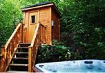 Location vacances Stoneham - Les Chalets Alpins - Chemin Alpin-3