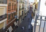 Hôtel Alcalá del Río - The Nomad Hostel-1