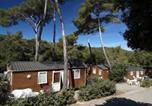 Camping Bord de mer de Cassis - Domaine Résidentiel de Plein Air La Forêt de Janas-3