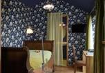 Hôtel Larochette - Epicerie am Duerf-4