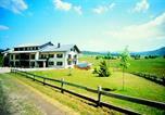 Location vacances Longevilles-Mont-d'Or - Résidence Les Clarines