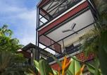 Hôtel Coconut Grove - Parap Village Apartments-4