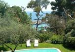 Location vacances Giens - Villa in Hyeres-2