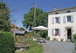 Location vacances Neuvy-Bouin - Holiday Home La Richardiere-1
