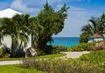 Hôtel Long Bay Village - Meads Bay Beach Villas