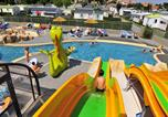 Camping avec Piscine Grosbreuil - Camping Les Dinosaures-1