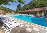 Camping avec Piscine couverte / chauffée Auvergne - Camping Sites et Paysages De Vaubarlet-2