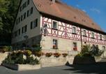 Location vacances Neunkirchen am Brand - San im Gasthof Mayd-4