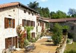 Location vacances Saint-Etienne - Chambres d'Hôtes Au Delà des Bois-1