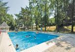 Location vacances Heythuysen - Holiday home Heel 11 with Outdoor Swimmingpool-3