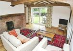 Location vacances Foulsham - Meadow Cottage-3