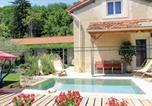 Location vacances Savasse - Holiday home Avenue de Villeneuve-1