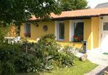 Location vacances Hoppegarten - Holiday home Kaulsdorfer Strasse T-3