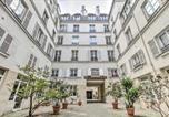 Location vacances Paris - Cosy Parisian Appartment-1